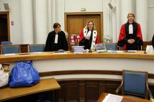 Il était juste passé neuf heures quand Anne Cochaud-Doutreuwe a ouvert le procès en appel de la mère infanticide qui a laissé sa petite Adélaïde sur la plage de Berck, en novembre 2013. PHOTO SEVERINE COURBE